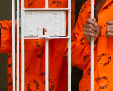 One Of 6 Prisoners who escaped from Pudimoe Police Station surrenders over exhaustion and hunger