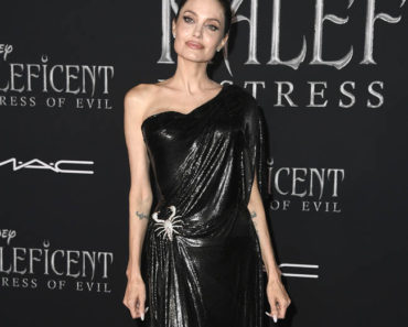 Angelina Jolie Opens About About feeling 'broken'
