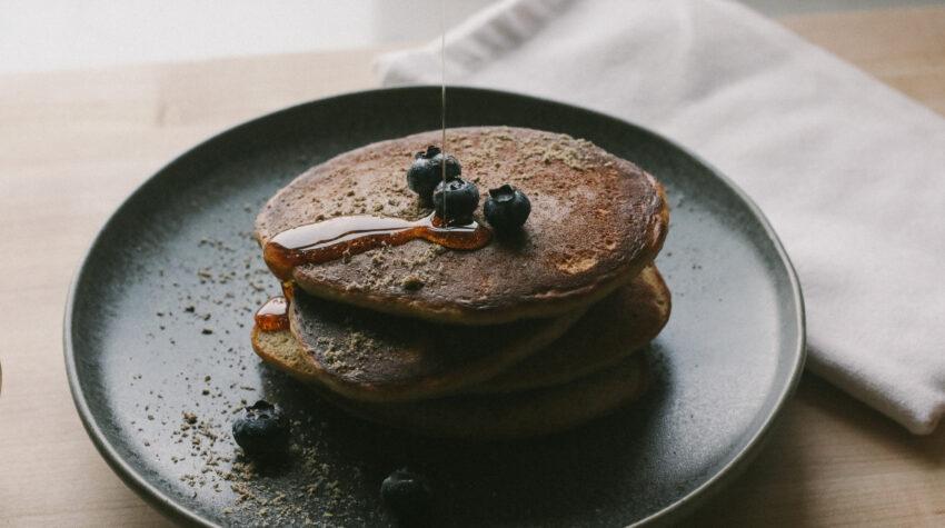 Cooking einkorn pancakes