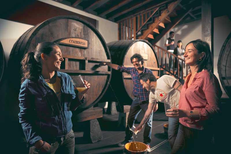 SAN-SEBASTIAN-Cider-House-FRIENDS