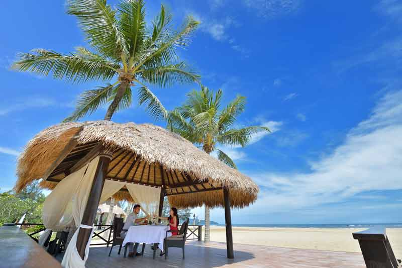 beach-dining