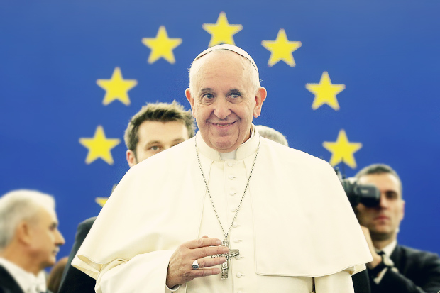 Pope-Francis-in-front-of-EU