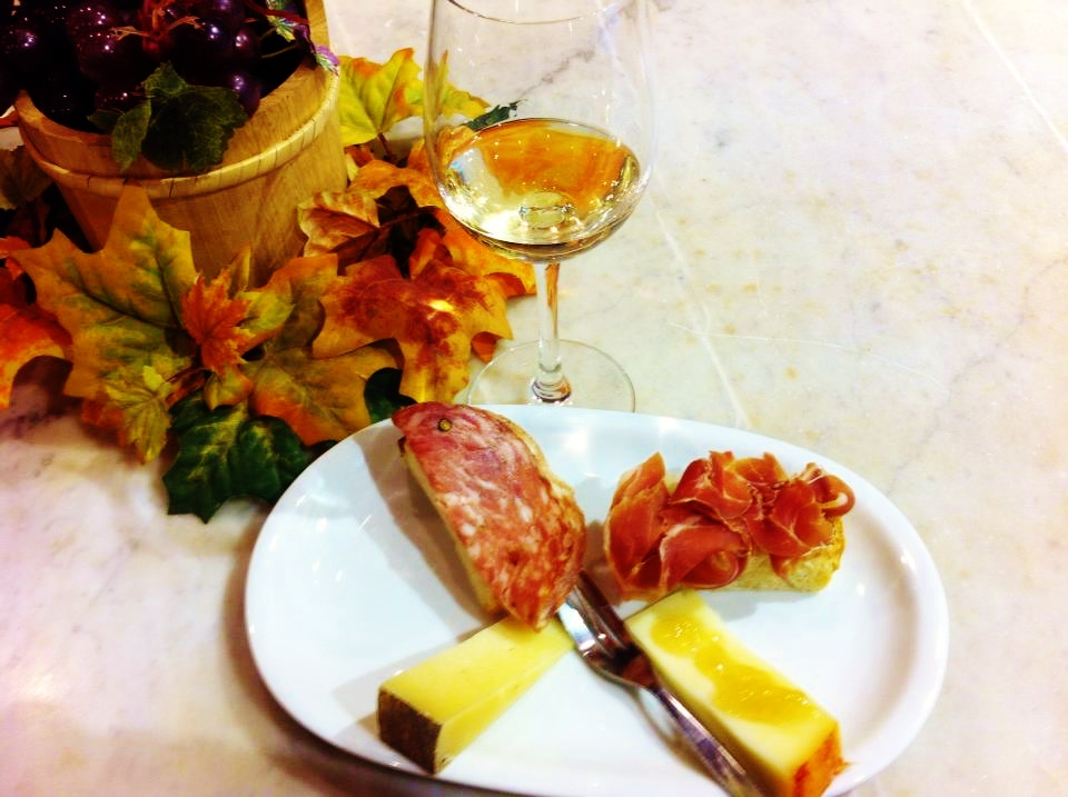wine cheese in Florence
