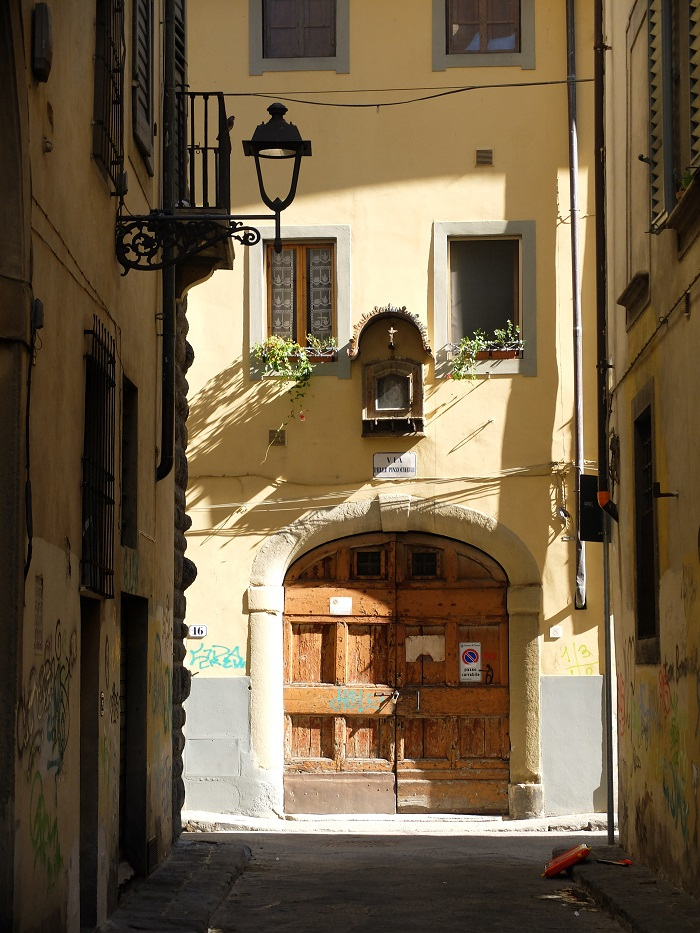Florence, Italy   How to Volunteer tips by @girlinflorence