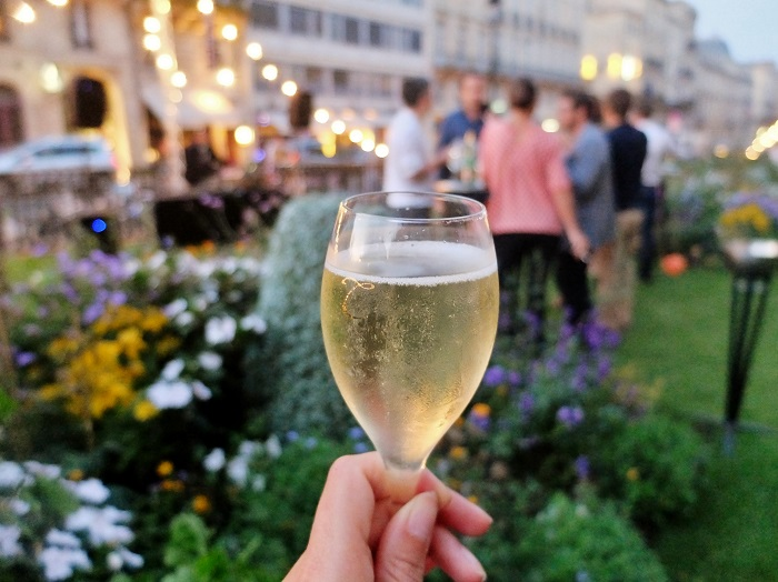Champagne in Bordeaux, Grand theater garden | Girl in Florence @girlinflorence