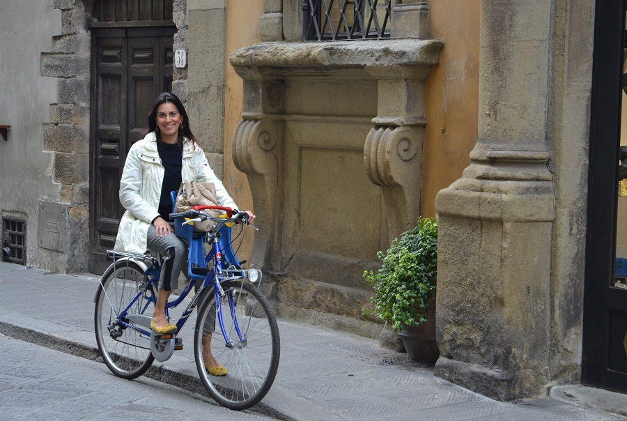 denya brazilian expat in florence
