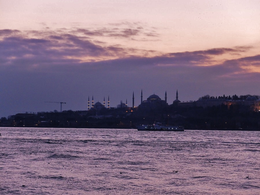 Istanbul sunset | Girl in Florence