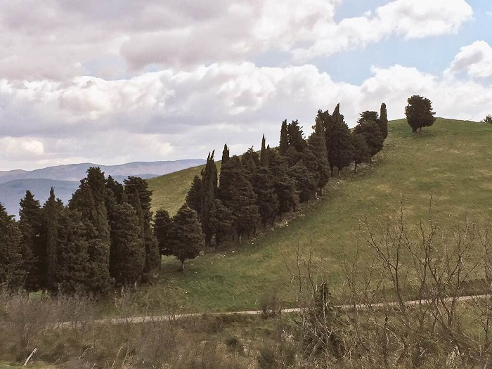 Walking in Monte Giovi with picture perfect views even if it was very sunny that day