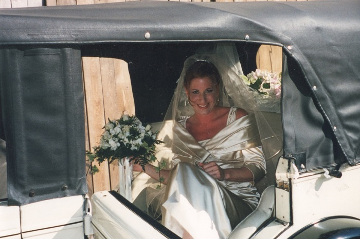 elyssa-alessandro-wedding-car