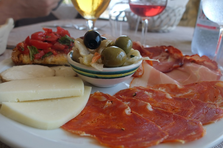 typical-calabria-antipasto