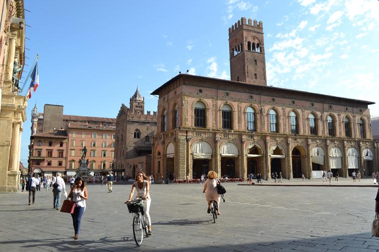 Bologna's Piazza Maggiore. Photo creditL Silvia Donati