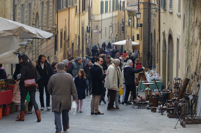 Arezzo Antique Fair - Tuscany - Girlinflorence
