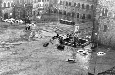 alluvione_di_firenze_19661-e1383577761920