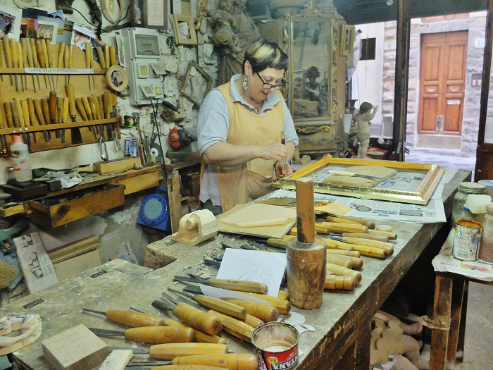 The workshop of local artisan in Oltrarno, Luigi Mecocci and his wife