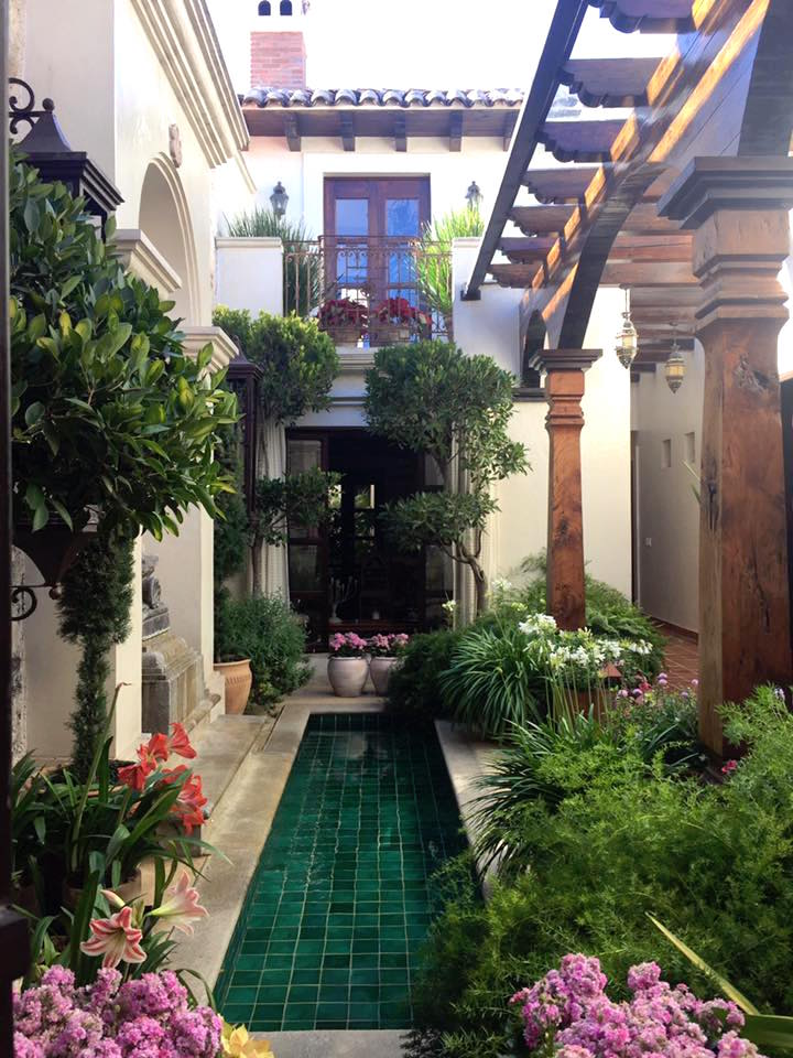 Boutique Hotel: What Makes A Boutique Hotel Stand Out: La Joya In San