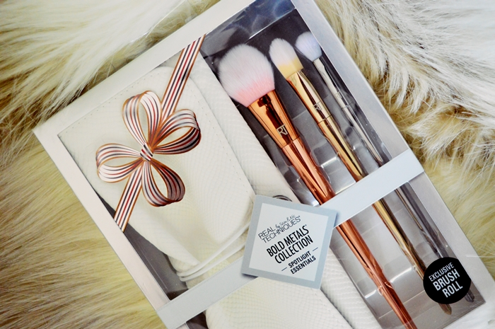 The most gorgeous brush set I ever met: the Bold Metals Spotlight Collection {REVIEW}