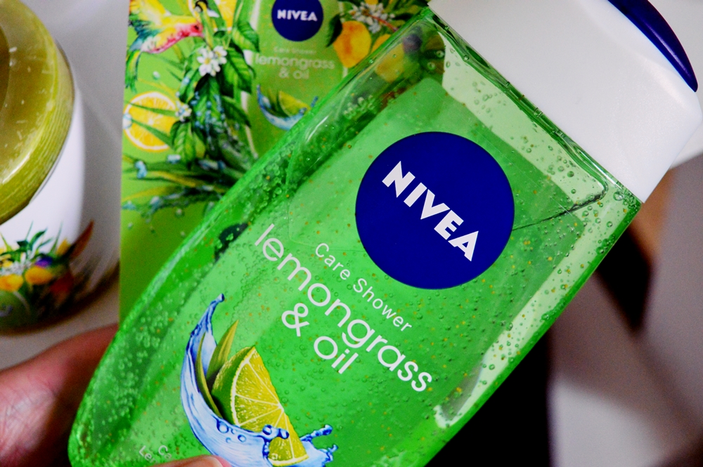 Revitalize your morning with the Lemongrass & Oil Shower Gel from NIVEA {REVIEW}