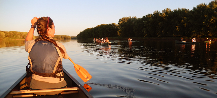 canoing elk river