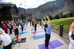 yoga_on_the_mountain