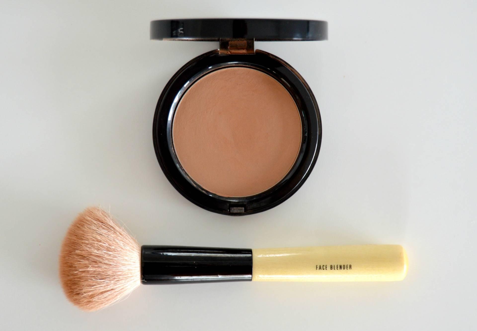 bobbi-brown-review-bronzing-powder-light-inhautepursuit