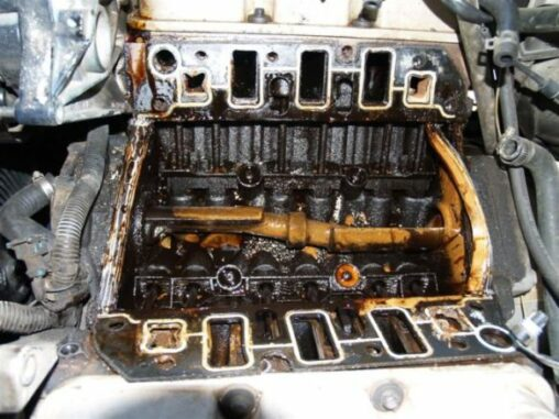 Coolant Mixed With Oil In The Lubrication System