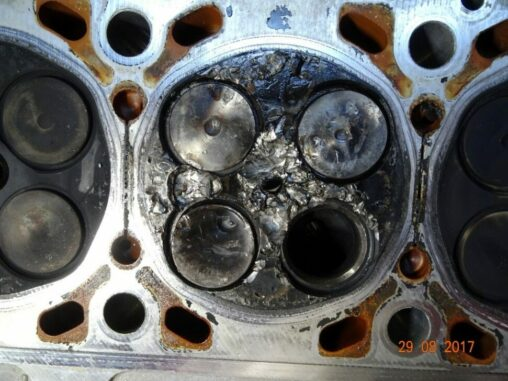 Cylinder Head Dropped Valve With Combustion Chamber Damage