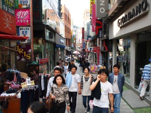 One_of_the_many_Busan_shopping_streets_in_Gwangbok-dong_area._Busan,_South_Korea
