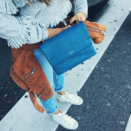 steal the style white sneakers