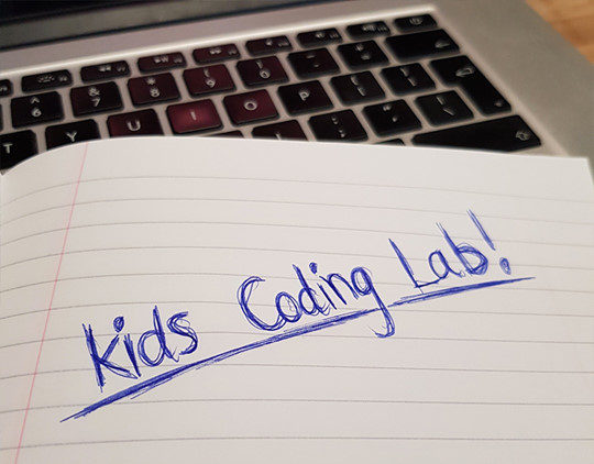 Kids coding lab image.