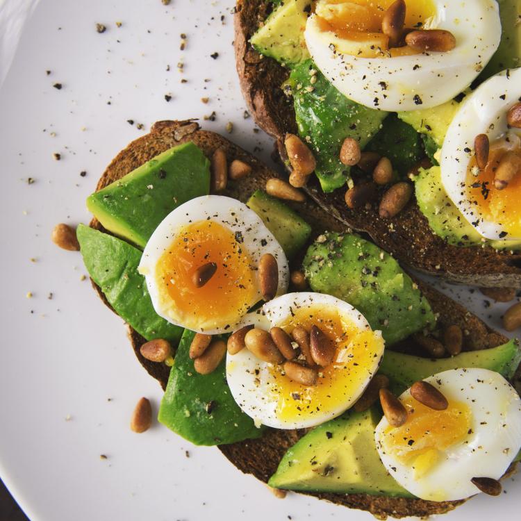 on-the-go healthy breakfast avocado toast