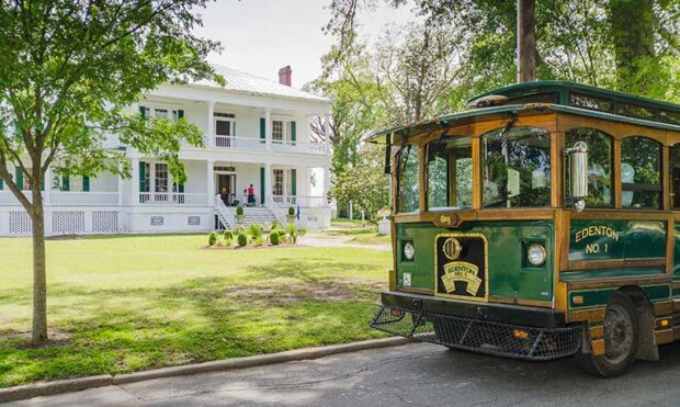 Historic Edenton Trolley outside historic home