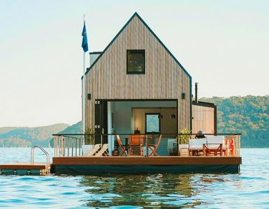 A floating villa in Palm Beach. Credit: Glamping Hub