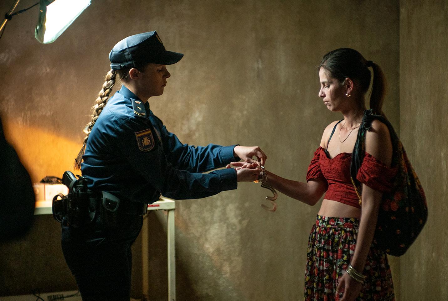 la-dona-ilegal-actores