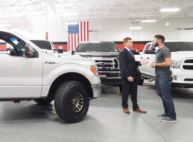 Veteran Who Stole Truck to Save 30 Vegas Shooting Victims Surprised With New Car 1