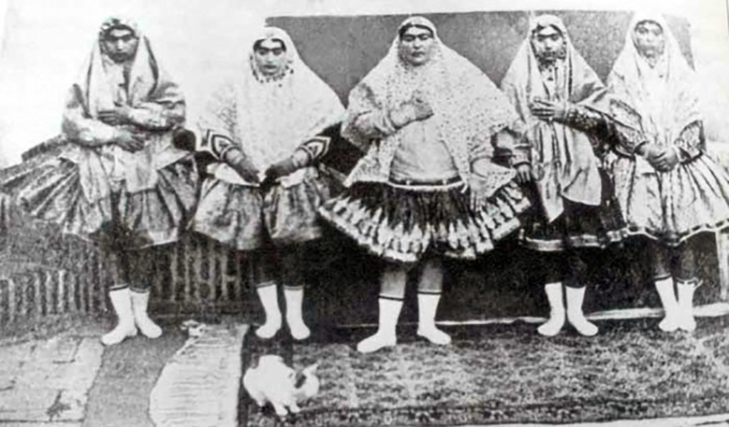 A story of Princess Qajar with Mustache: Men killed themselves for her!! 5
