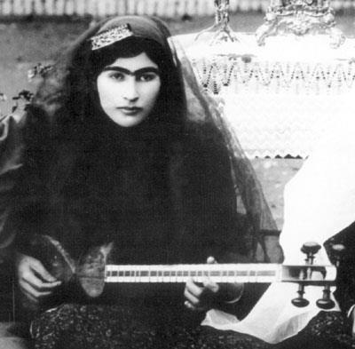 A story of Princess Qajar with Mustache: Men killed themselves for her!! 6