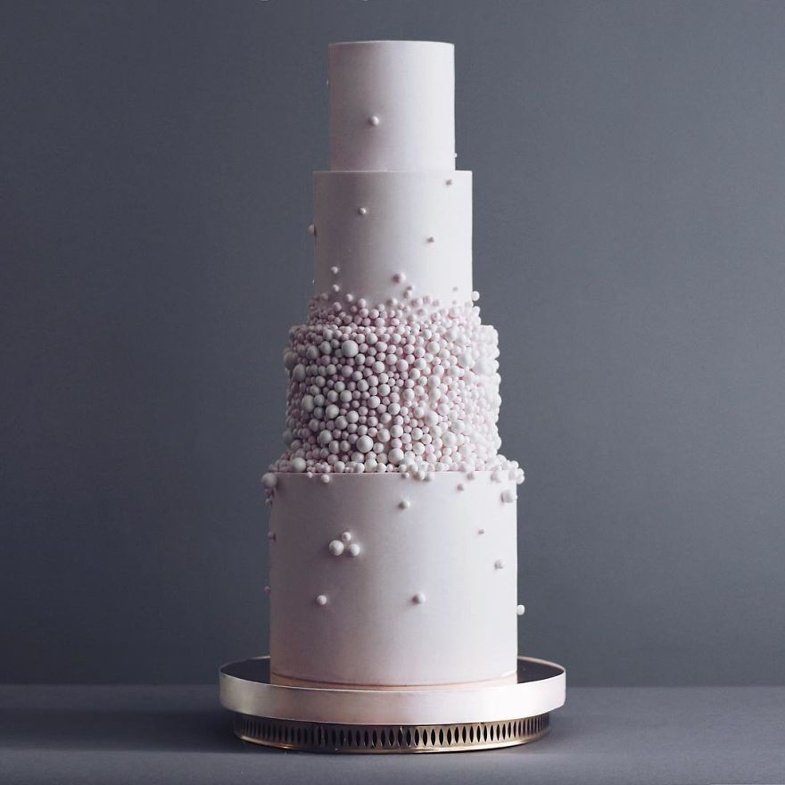 Luxurious Towering Cakes Look Like They Are Straight Out Of The Fairy Tale 19