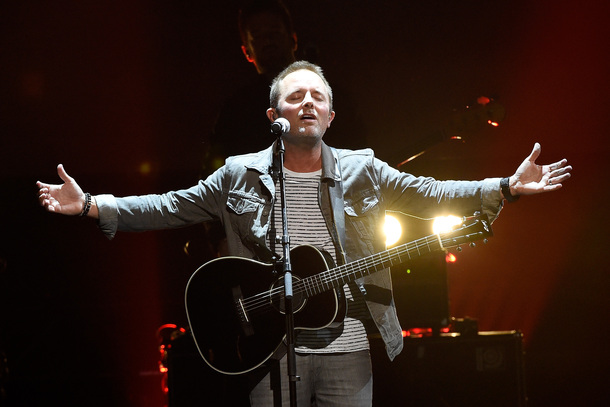 """Male Artist of the Year winner Chris Tomlin performs """"At The Cross (Love Ran Red)"""""""