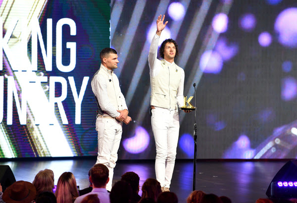 """for KING & COUNTRY Wins Big Earning Three Awards at Fifth Annual K-LOVE Fan Awards As Fans Pack 500+ Theaters Nationwide For """"K-LOVE Fan Awards: Ignite Hope"""""""
