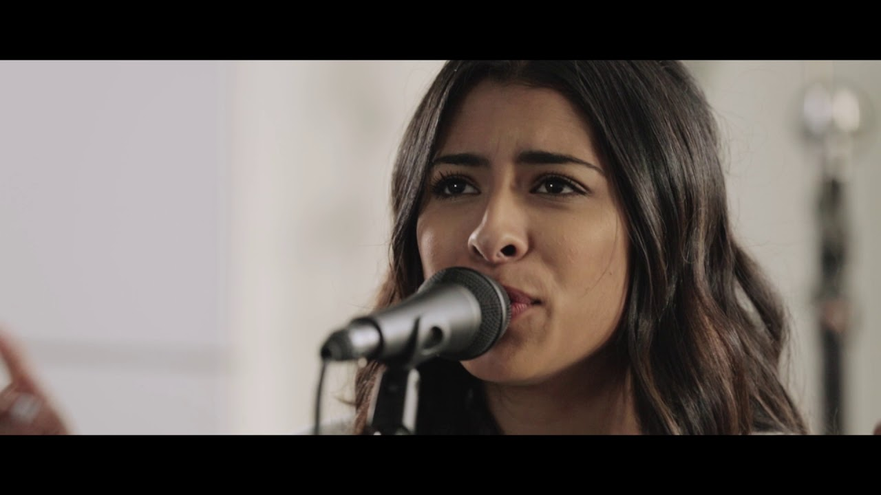 Video: MY VICTORY - Hank Bentley ft. Destiny Thomas: Song Session