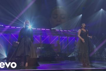 Natalie Grant & Koryn Hawthorne blow the roof off with Speak the Name performance at the Dove Awards