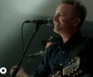 Video: Chris Tomlin - Is He Worthy?