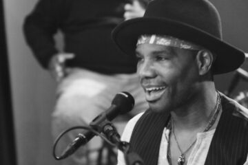 Watch Kirk Franklin In-Studio Performance of Just For Me
