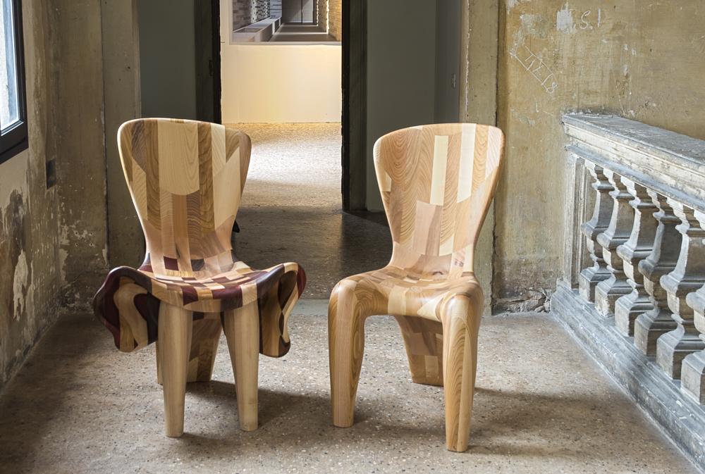Couple-Chairs-at-15-Venice-Architecture-BiennaleBeatriz-Gerenstein-4