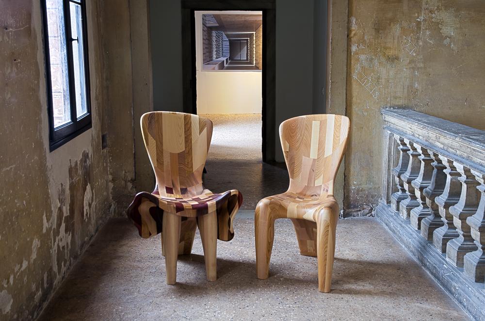 Couple-Chairs-at-15-Venice-Architecture-BiennaleBeatriz-Gerenstein-5