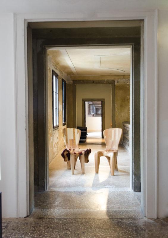Couple-Chairs-at-15-Venice-Architecture-BiennaleBeatriz-Gerenstein-9