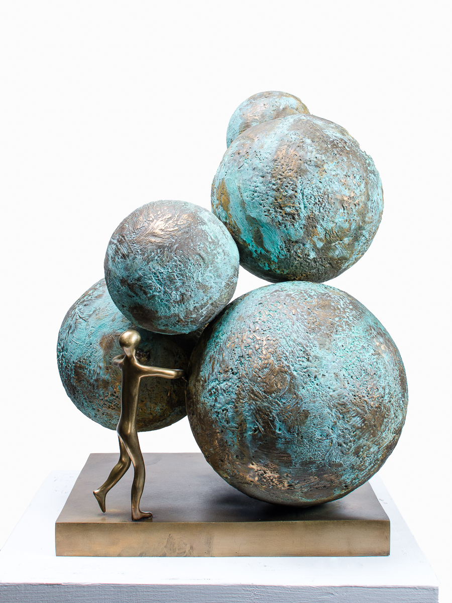 Breaking new rounds, bronze sculpture by Beatriz Gerenstein