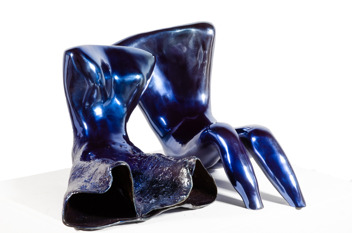 Couple (in Blue), bronze sculpture by Beatriz Gerenstein