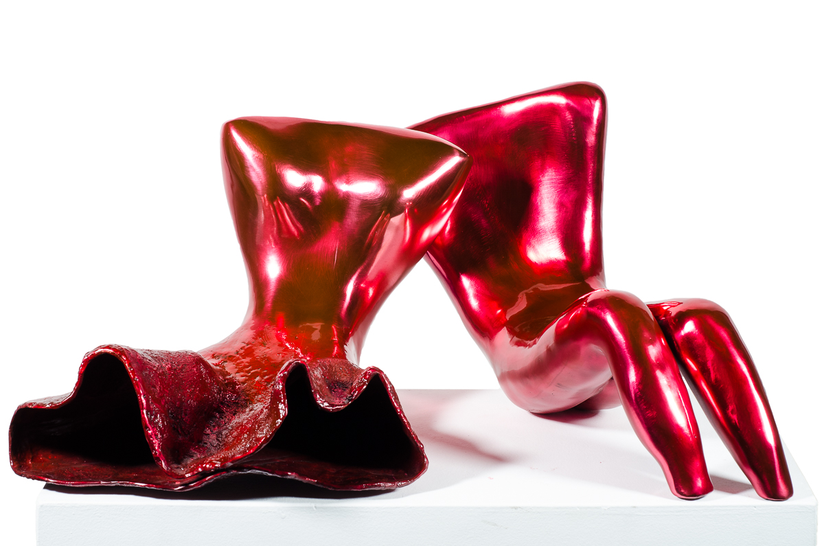 Couple (in Red), bronze sculpture by Beatriz Gerenstein