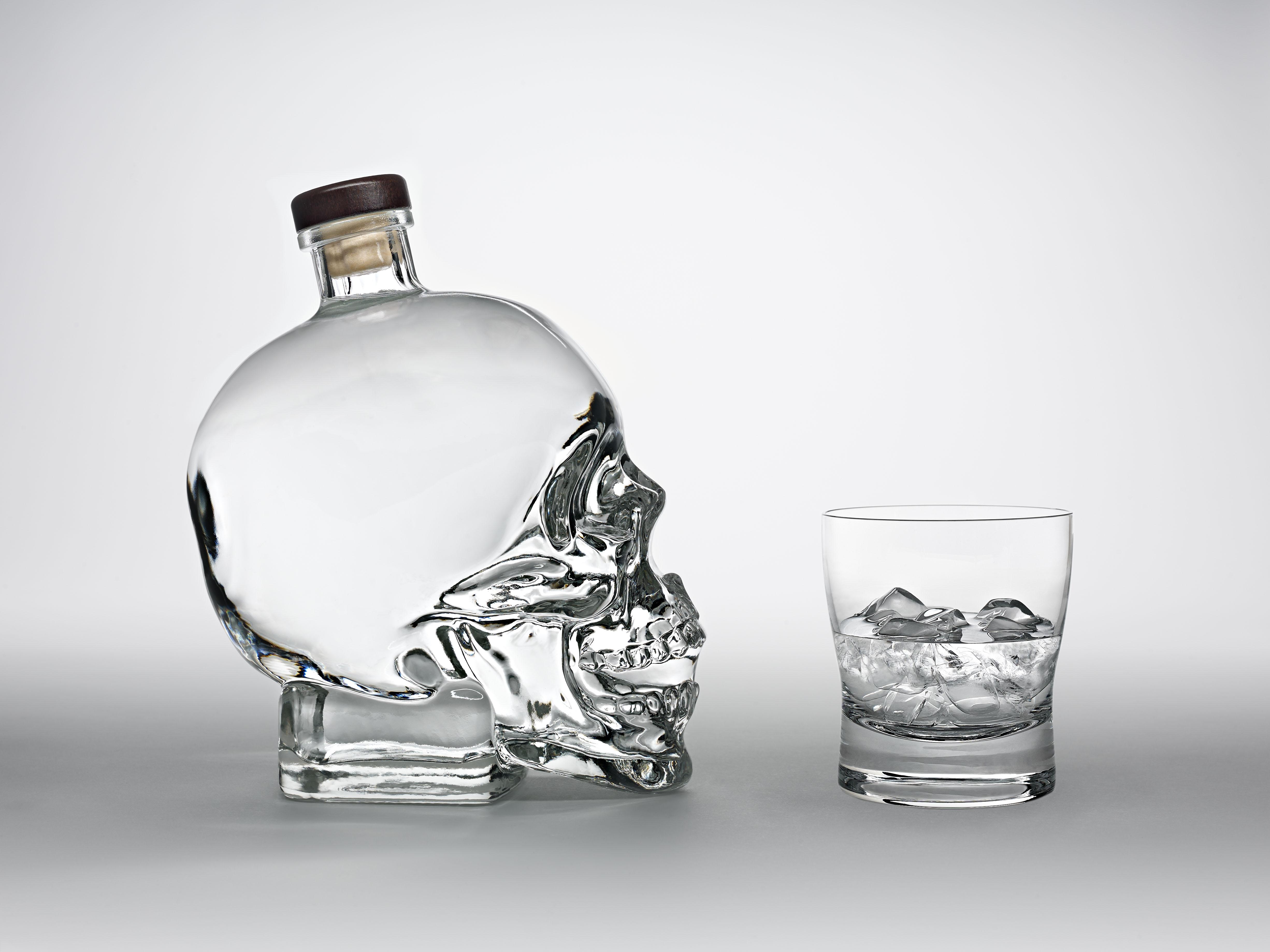 FULL BOTTLE GLASS COMP RT SD FINAL 8 BIT